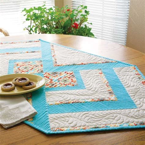 quilting table runners beginners 52 best table runners and other table quilt patterns