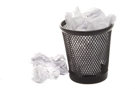 Sample Resume For Campus Interview by 5 Elements Of A Mediocre Resume Hello Again Trash Can