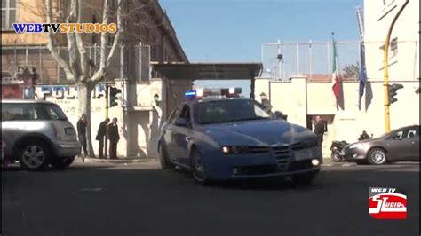 volanti polizia pronto intervento volanti 113 polizia in sirena questura