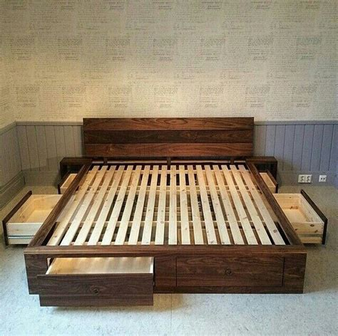 Shipping Pallet Bed Amazing Furniture Ideas With Shipping Wood Pallets