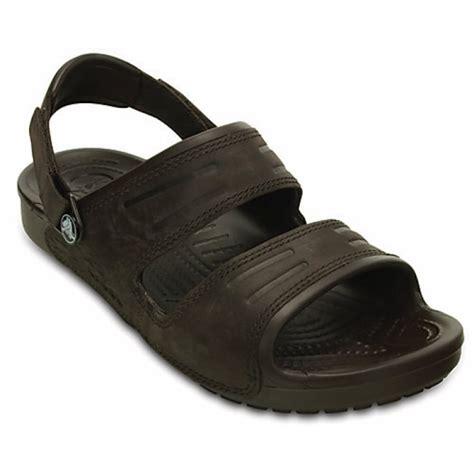 croc sandals crocs crocs yukon 2 mahogany ux6 14325 2l3 mens