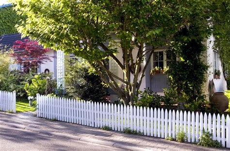 Front yard with white picket fence and trees   Interior Design Ideas   Ofdesign