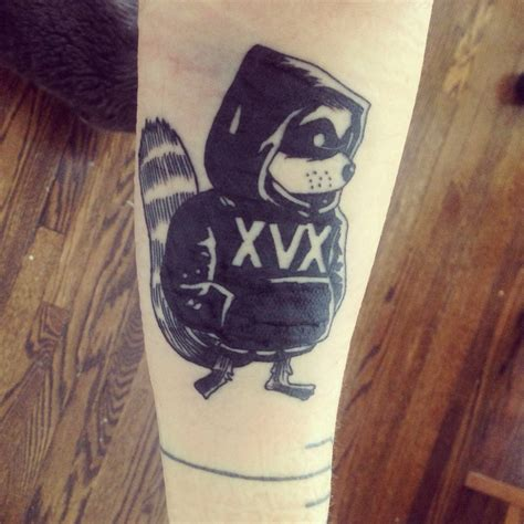 tribal raccoon tattoo cool raccoon arm tattoomagz