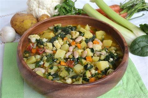come si cucina il minestrone 187 minestrone di verdure ricetta minestrone di verdure di