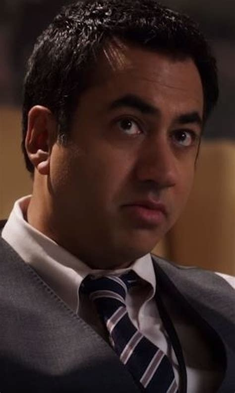 designated survivor kal penn designated survivor season 1 clothes wardrobe and filming