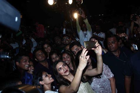 Celebrity Selfies of 2014: Deepika Padukone, Alia Bhatt ...