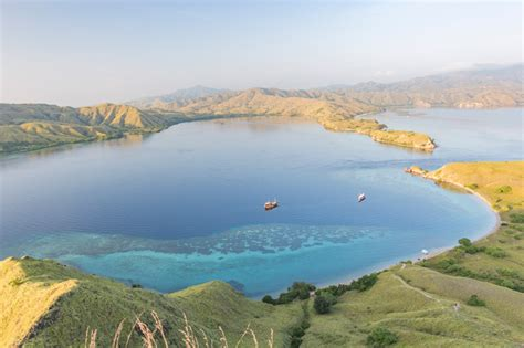 labuan bajo indonesia bel   world