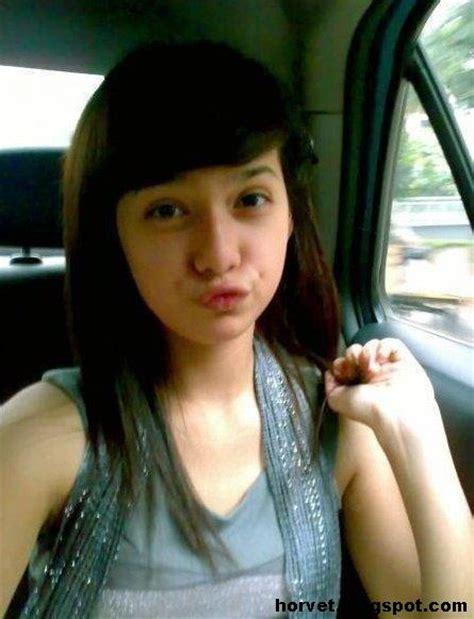 Lu Tidur Cantik gadis abg 17 tahun smu narsis gallery model gadis