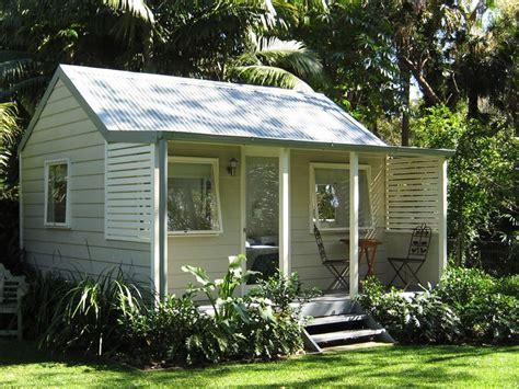backyard cottage kits backyard cabins backyard cabins cedar weatherboard