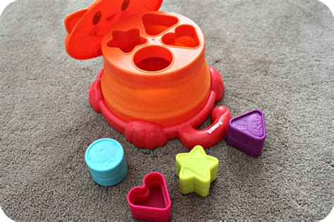 Playskool Pop Up Shape Mainan Anak learning colors shapes with playskool s pop up shape sorter the denver