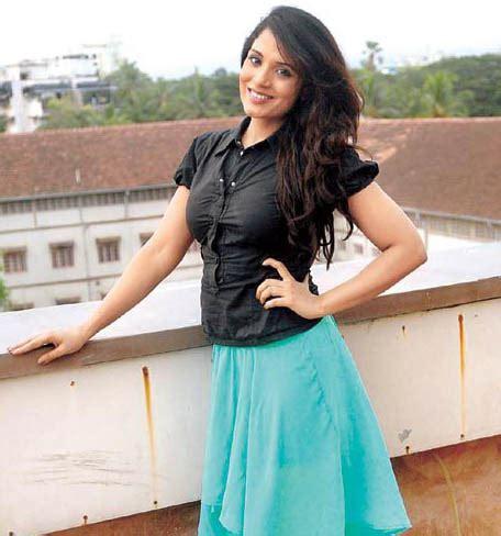 richa chadda upcoming movies hot bollywood actress richa chadda profile upcoming