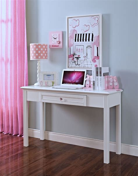 megan youth white desk from new classics 05 242 091