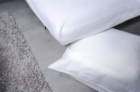 protege oreillers impermeables prot 232 ge oreiller traversin imperm 233 able 45x70