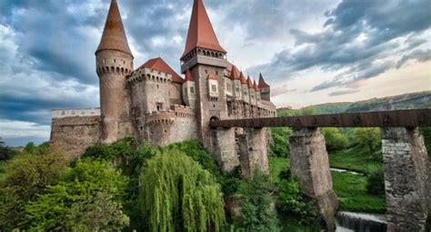 castle dracula transylvania transilvania castelul huniazil castelul corvinilor din hunedoara in topul palatelor quot de
