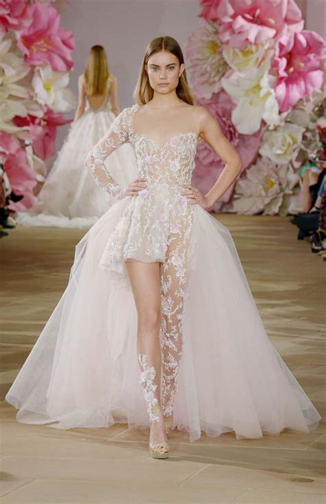 vestiti da sposa con fiori abiti da sposa a fiori la tendenza pi 249 romantica per la
