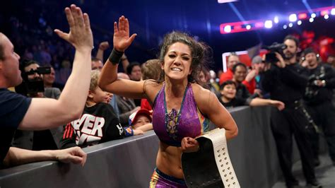 charlotte flair figure 8 wwe raw bayley wins women s title after pinning charlotte