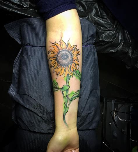 80 Bright Sunflower Tattoos Designs Meanings For 10 Tattoos Will Keep Cheerful Year