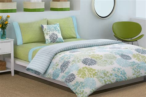 Twin Comforter Bed Set Floral with Light Blue Bedding