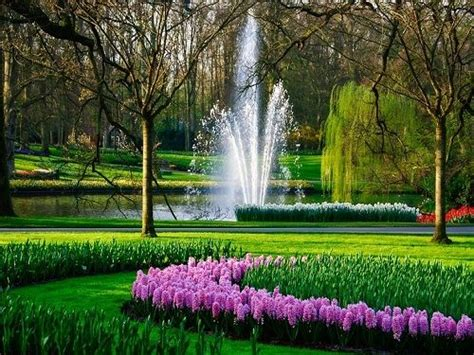 Beautiful Flowers Garden In The World Amazing Gardens Of The World Visitors Each Year Though The Parks Is Only Open 8 Weeks The