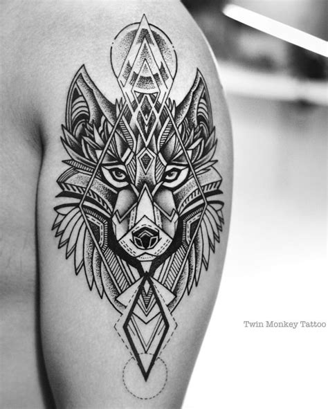 resultado de imagen de tattoo wolf geometric man black and