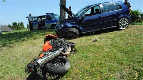Suche Unfall Motorrad by Motorrad Prallt In Polo Bergedorfer Zeitung