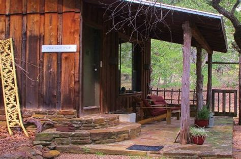 star of texas bed and breakfast 30 texas cabin retreats that will make you want to get away from it all