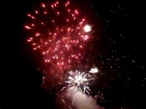 best backyard fireworks best backyard consumer fireworks display 2011 youtube