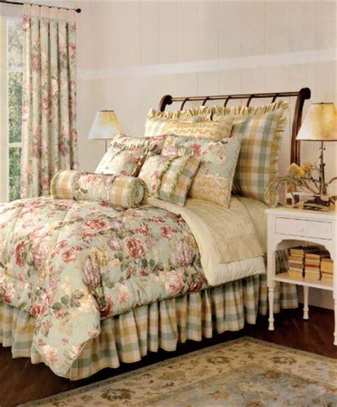Beautiful Comforter Set by Beautiful Luxury Comforter Sets For Your Bedroom