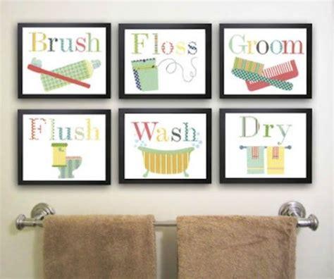 artwork for bathrooms quadros para banheiro e lavabo como decorar e 30 fotos