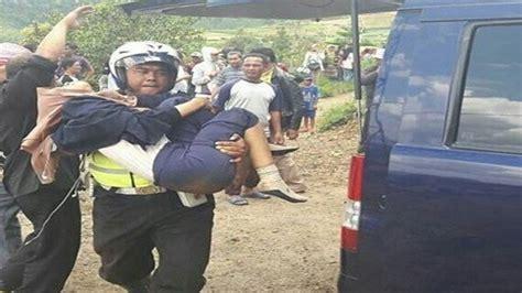 Kursi Evakuasi evakuasi korban kecelakaan maut di cipanas kursi penumpang sai terpental ke luar