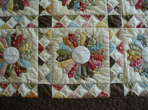 Quilting On The by Addicted To Quilts Dresden Plate