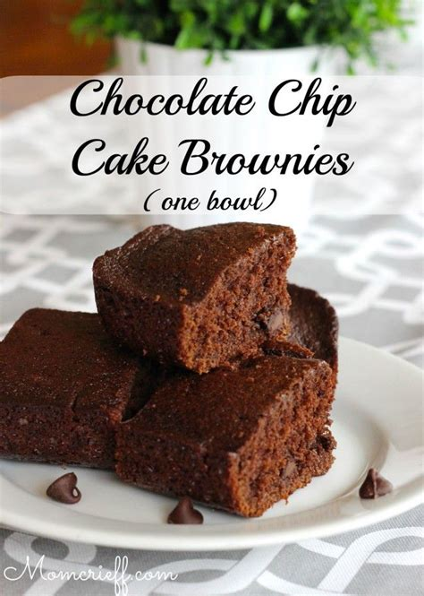 Chocolate Chips Sink To Bottom Of Cake by Chocolate Chip Cake Brownies One Bowl Momcrieff