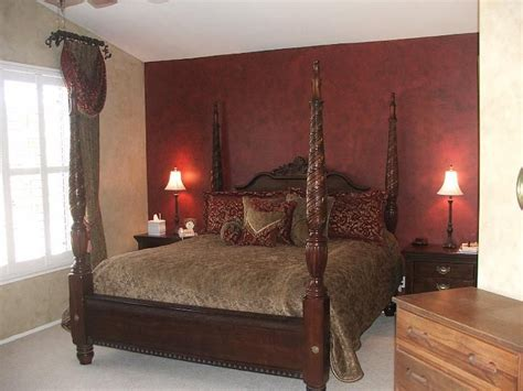 17 Best images about Deep wine/burgundy decor on Pinterest Living room paint, Accent walls and
