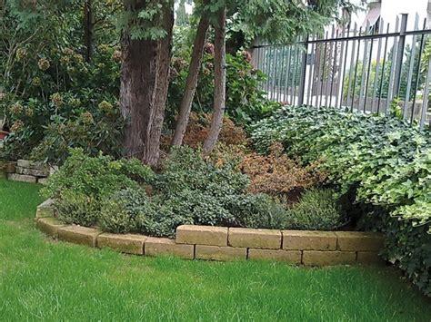 aiuole per giardino aiuole giardino progettazione giardini aiuole per il