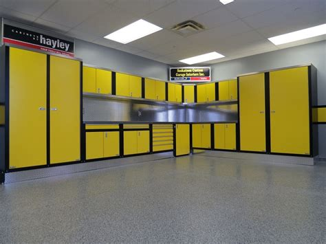 Design the Perfect Custom Garage Cabinets