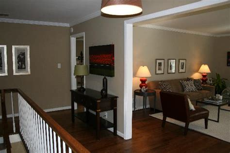 tan walls traditional entrancefoyer benjamin moore