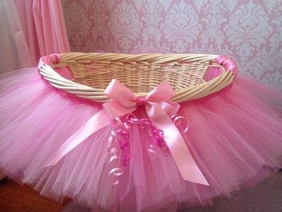 canasta con tutu de tul para baby shower ideas
