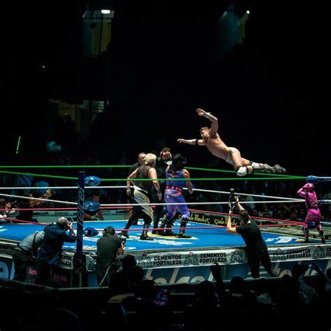 lucha libre match  arena mexico