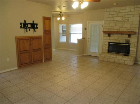 house hunters austin awesome austin texas bathroom and living room makeover house hunters renovation hgtv