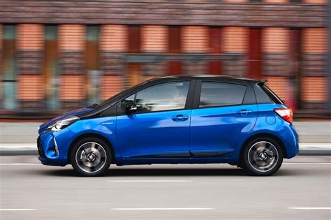 Toyota Yaris Carbuyer Toyota Yaris Hybrid Hatchback Pictures Carbuyer