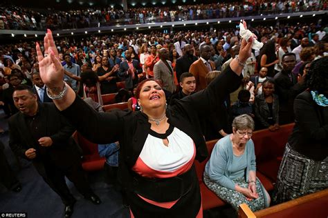 potters house live service looking to heal americans gather at sunday services daily mail online