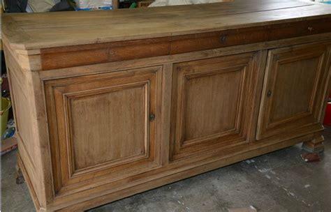 come restaurare un armadio restaurare un mobile antico manutenzione consigli per
