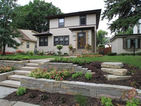 front yard landscaping with stones best 25 sloped front yard ideas on sloped