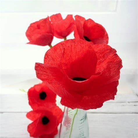 Make Paper Poppies - flower poppies and crepe paper flowers on