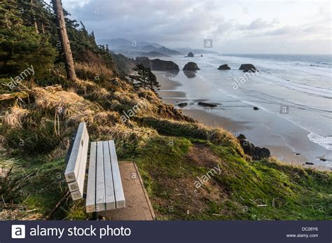 viewpoint with sunset bench at ecola state park near