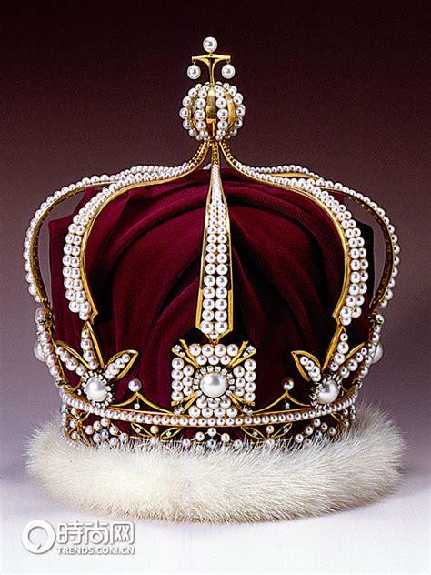 Wreathes pearl crowns ferrebeekeeper