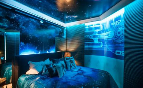 space bedroom star trek themed hotel room in sao paulo mightymega