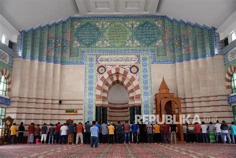 Karpet Masjid Tanah Abang oase ruhani di blok a pasar tanah abang republika