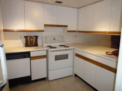kitchen dilemmas 80 s kitchen dilemma toronto cabinets and home staging