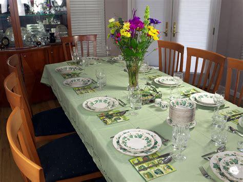 fancy dinner table set stock image image 10392131 large table set for fancy dinner stock photo image 18662574